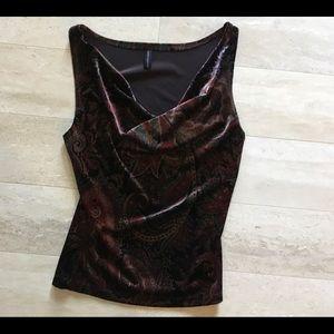 Velvet sleeveless blouse